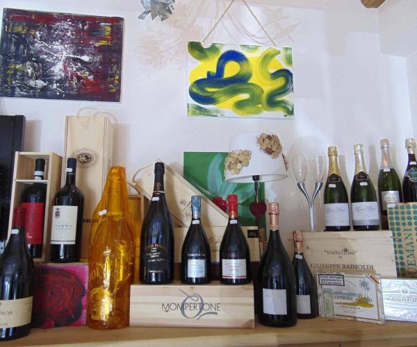 Esposizione dei vini enoteca a Livigno