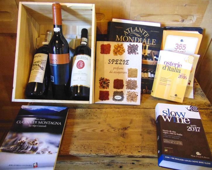 Box bottiglie e libri settore vinicolo