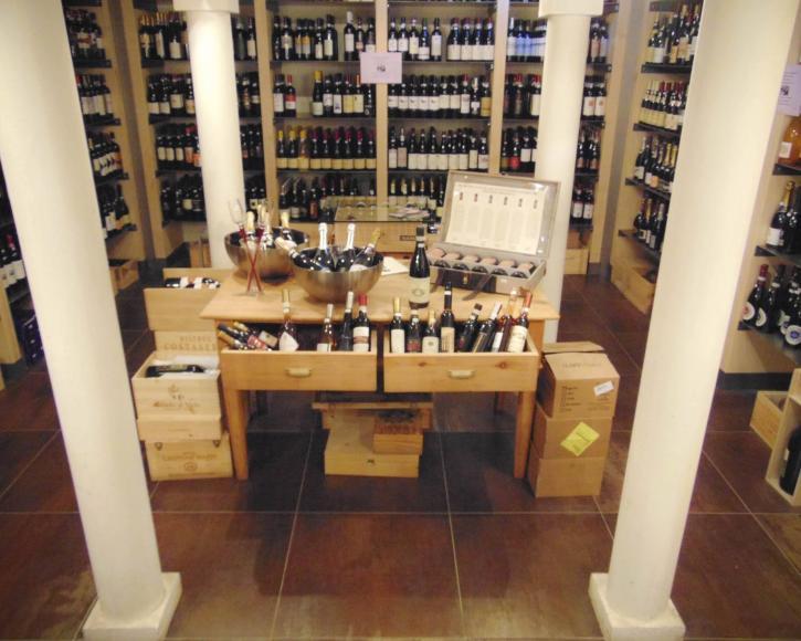 Sala negozio di Vino e Co