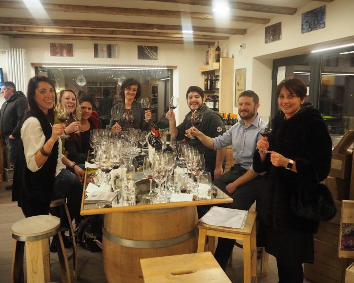 Degustazione vini con amici a Livigno